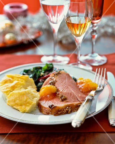 Roast turkey with mashed potatoes and oranges (Christmas)