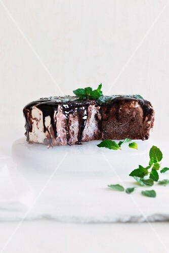 Mint chocolate ice cream cake, sliced