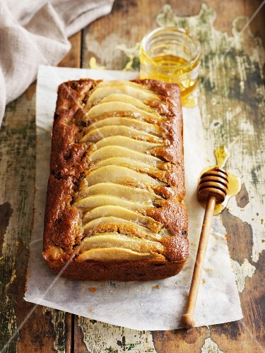 Pear cake with honey and sultanas