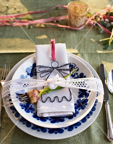 A festive place setting for Mother's Day