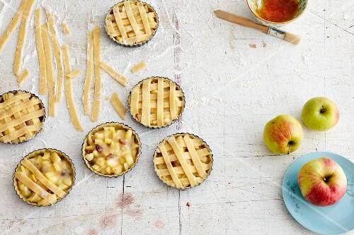 Apple lattice tartlets