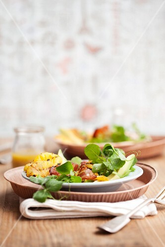 Watercress salad with grilled pineapple, bacon, avocado and a chilli dressing