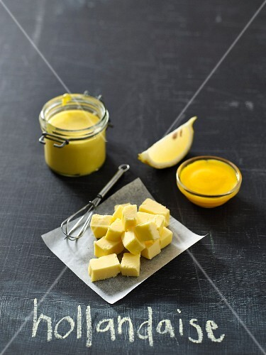 Hollandaise sauce and ingredients