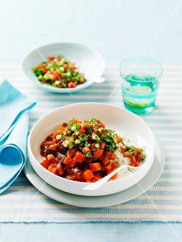 Vegetaarian vinadloo with sweet potatoes and aubergines