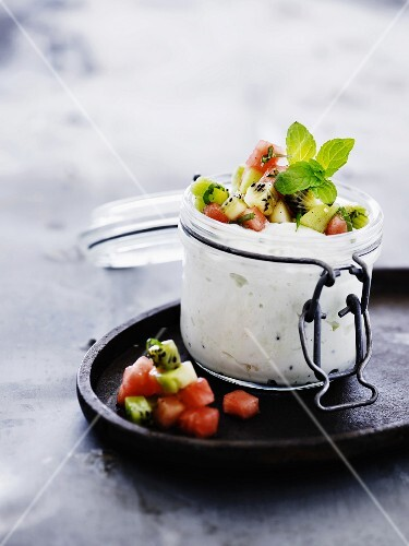 Ricotta cream with kiwi and melon