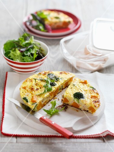 Frittata with pumpkin and broccoli