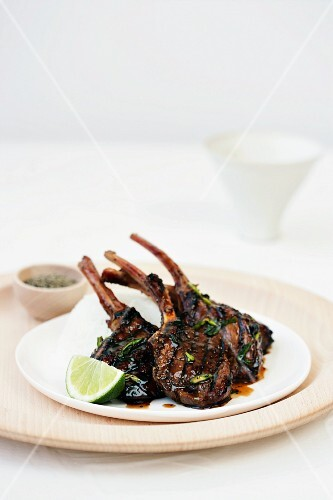 Lamb chops with lime and coriander