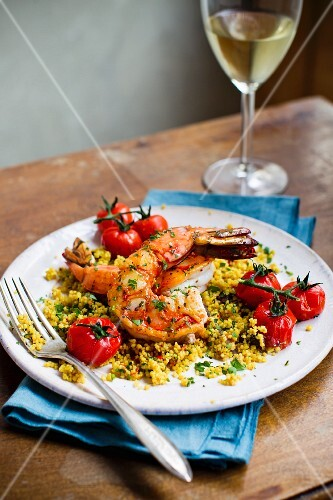 King prawns with couscous and tomatoes