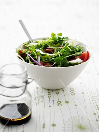 Rocket salad with a balsamic dressing