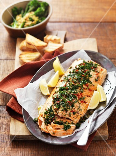 Baked salmon with herbs and chilli peppers