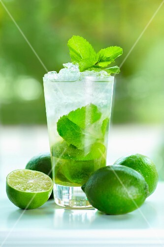 Mojito with mint and limes
