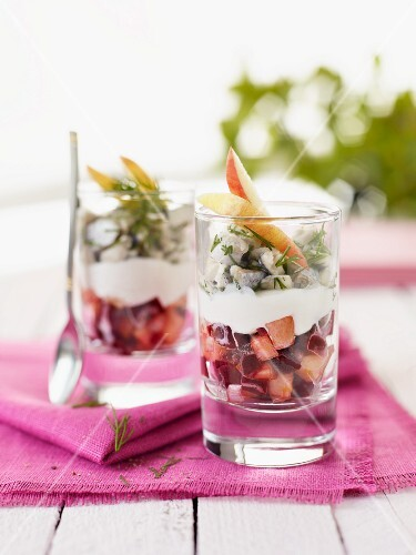 Beetroot salad with herring hash