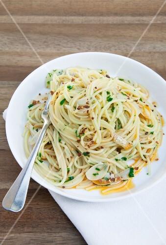 Spaghettini aglio olio (spaghetti with garlic and olive oil)
