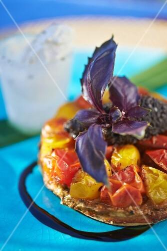 Tarte tatin with tomatoes
