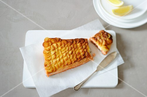 Salmon fillet with a potato crust