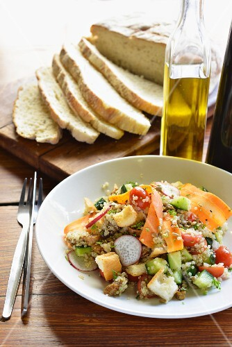 Quinoa salad with vegetables and figs