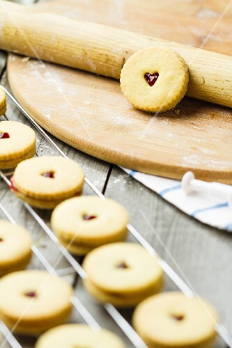 Round raspberry jam butter biscuits