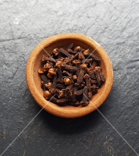 A bowl of cloves