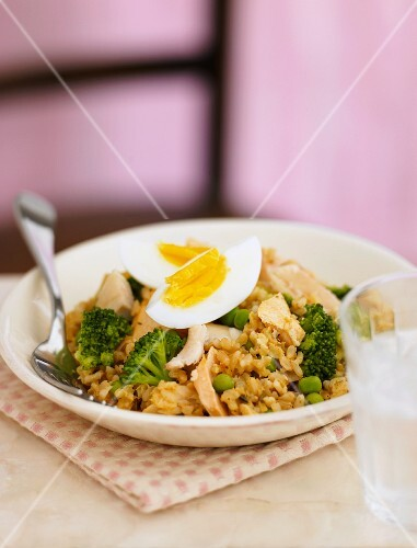 Kedgeree (rice dish with fish, vegetables and egg, England)