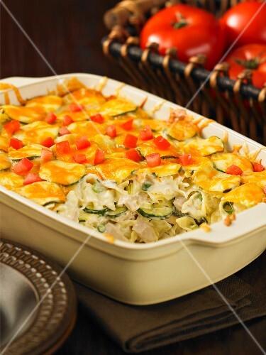 Tuna, pasta and vegetable bake