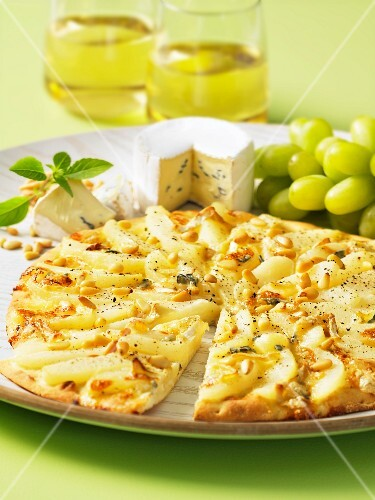 Pizza topped with pears and blue cheese