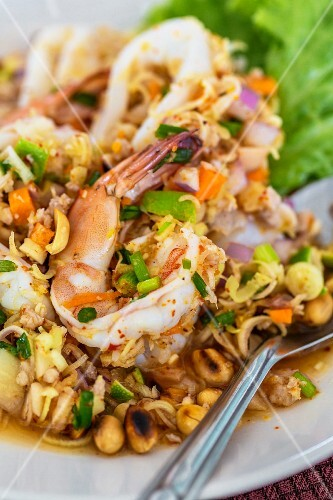 Prawn salad with lemongrass