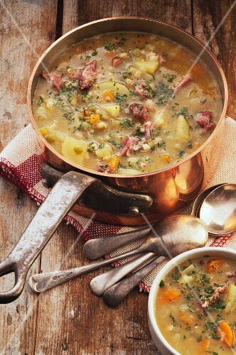 Barley soup with pork knuckle