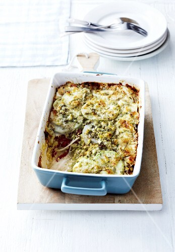 Bulgur bake with peppers, bean sprouts and kohlrabi