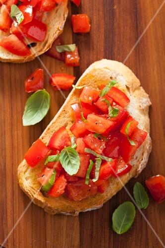 Bruschetta with cherry tomatoes and basil