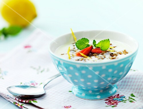 Yogurt with muesli and strawberries