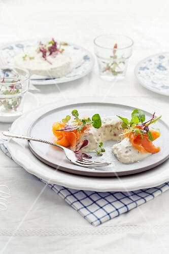 Cream cheese with salmon and onions