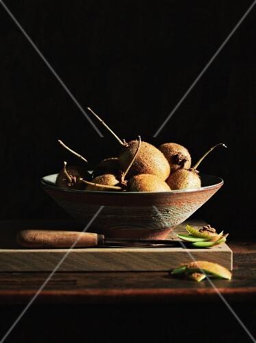 Kiwis in a ceramic bowl