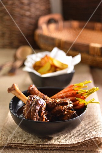 Leg of lamb with caramelised baby carrots, Morroco