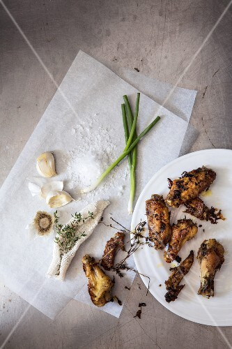 Fried chicken bits with thyme