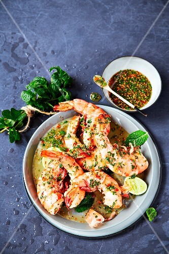 Steamed prawn tails with an oriental dressing