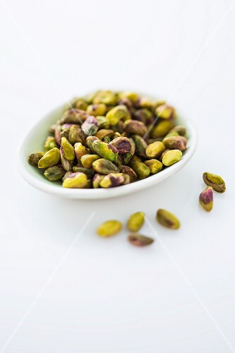 A bowl of pistachio nuts