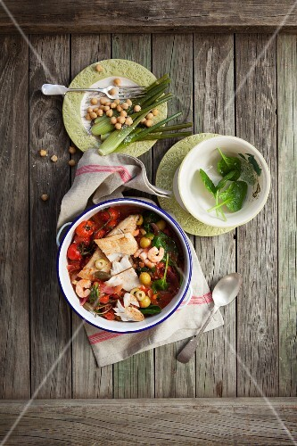 Fish stew with prawns and chickpeas