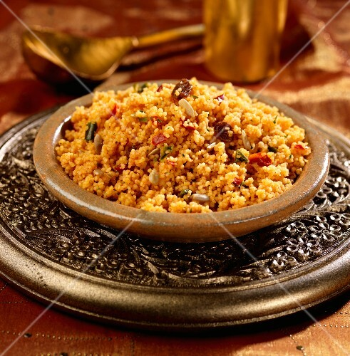 Spicy couscous with raisins and sunflower seeds