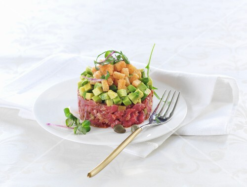 Beef tartar with avocado