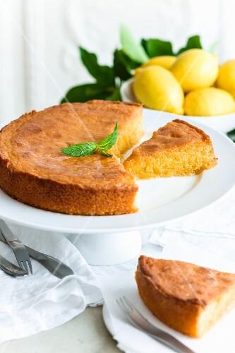 Polenta and lemon cake