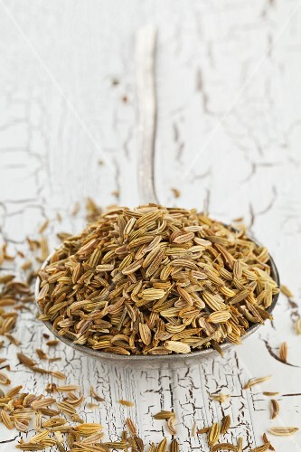 A spoonful of dried fennel seeds