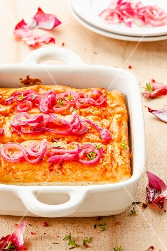 Cheese quiche with red onions