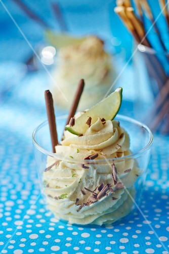 White chocolate mousse with cardamom and limes