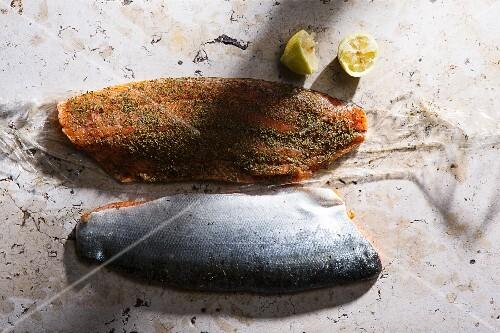 Marinated salmon with lemon