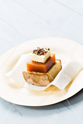 Cornbread with cheese and quince jelly