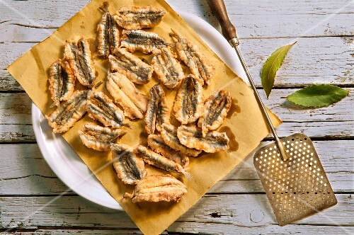 Acciughe fritte (fried anchovy fillets, Italy)