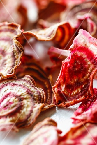 Dried beetroot slices (close-up)