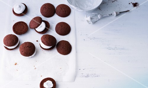 Chocolate whoopie pies with marshmallow cream