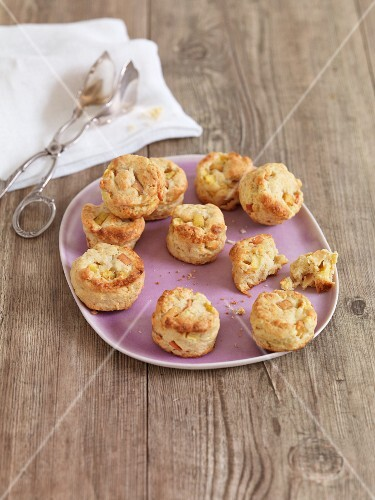 Apple scones with marzipan