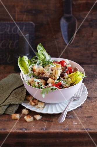 Mixed leaf salad with a silken tofu dressing